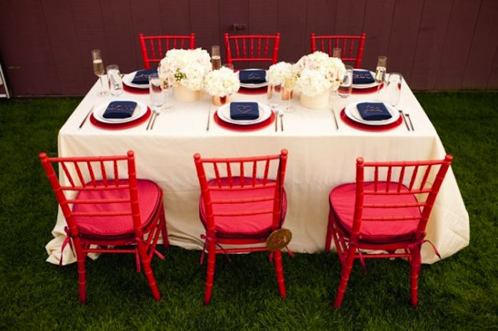 red-white-and-blue-wedding-inspiration-4th-of-july-weddings-table ...