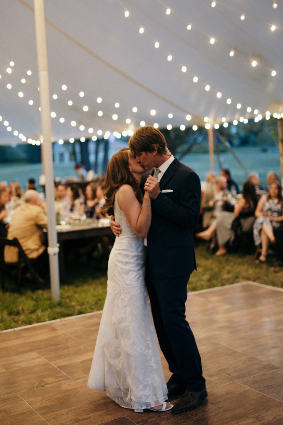 bride groom first dance kiss colorado summer wedding