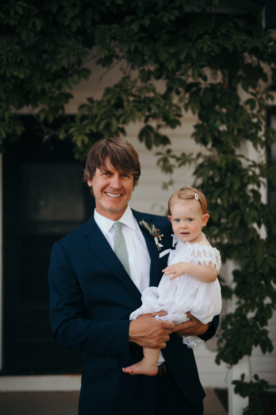 father daughter groom flowergirl portraits colorado summer wedding